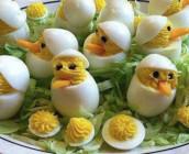 Ovos recheados com puré de cenoura
